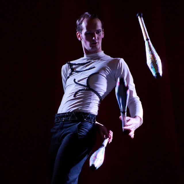 Stevanovich juggling