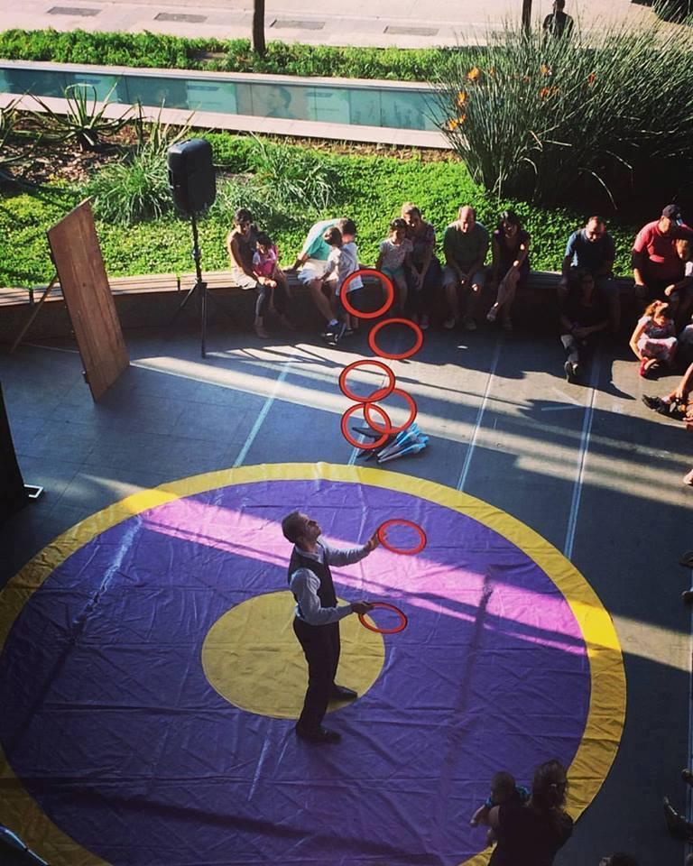 Caio presentation juggling