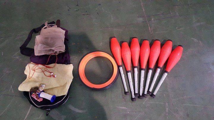 Juggling objects 3