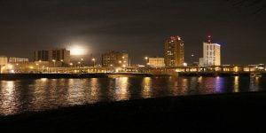Cedar Rapids Nightime 1200x600
